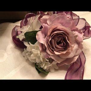 3 Mauve / 1 Purple Silk Rose Bouquets